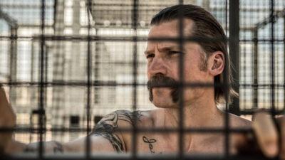 映画『ブラッド・スローン』が骨太でいい。人格を破壊する刑務所の掟とは?
